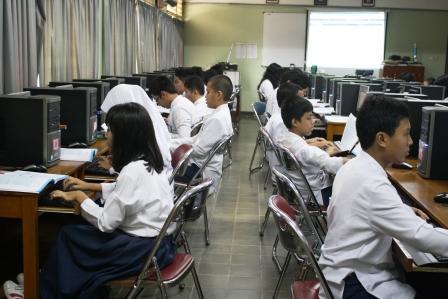 jurnelisagustin: pengaruh teknologi bagi pendidikan